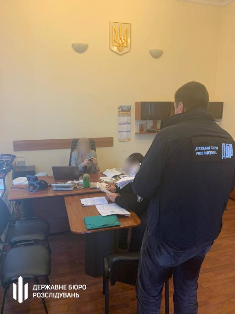 Главе миграционной службы Одесской области вручили подозрение в хищениях