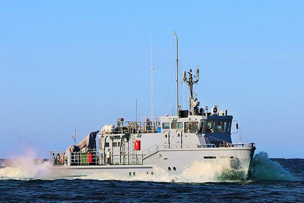 Служба водолазов АМПУ в Одессе заказала катера фирме своего начальника