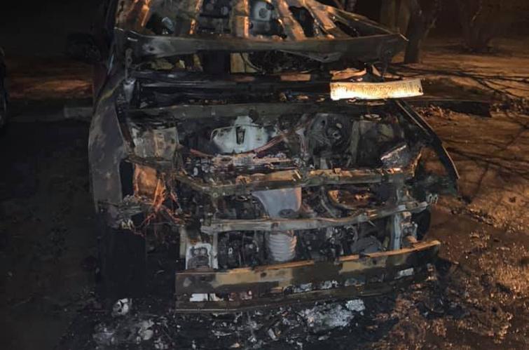 Сопредседателю «Родители SOS» и борцу с коррупцией в образовании сожгли машину.