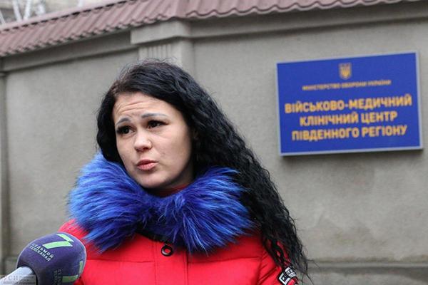 В Красноселке военнослужащую, вскрывшую хищения в части, сильно избили