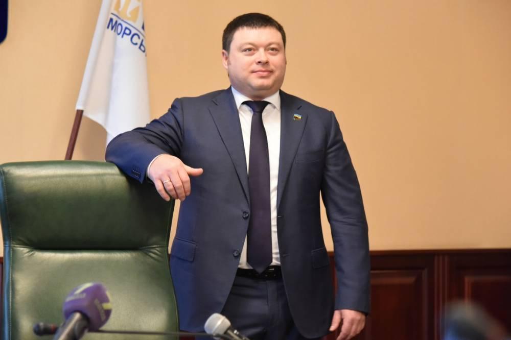 В порту Южный директор сделал предшественника советником: начались коррупционные схемы