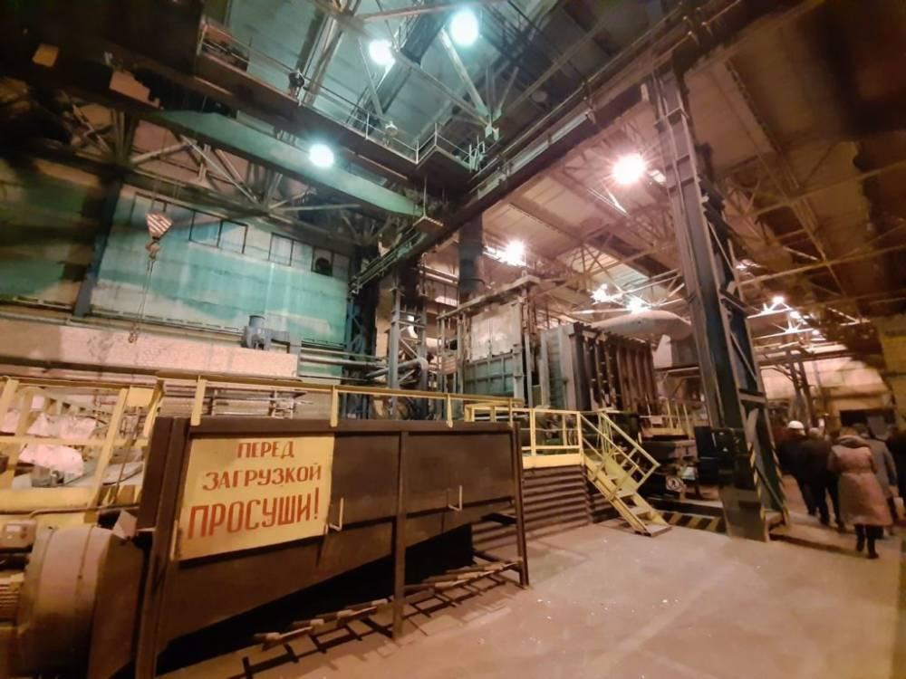 Бывший директор ЗАлК, незаконно продавший Кропачеву часть завода, сбежал вместе с документами