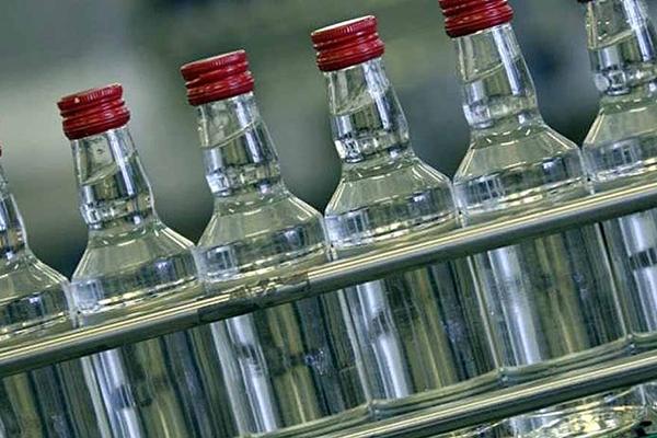 В Киевской области на госпредприятии делали контрафактный алкоголь