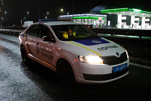 В Борисполе полицейский автомобиль насмерть сбил пешехода