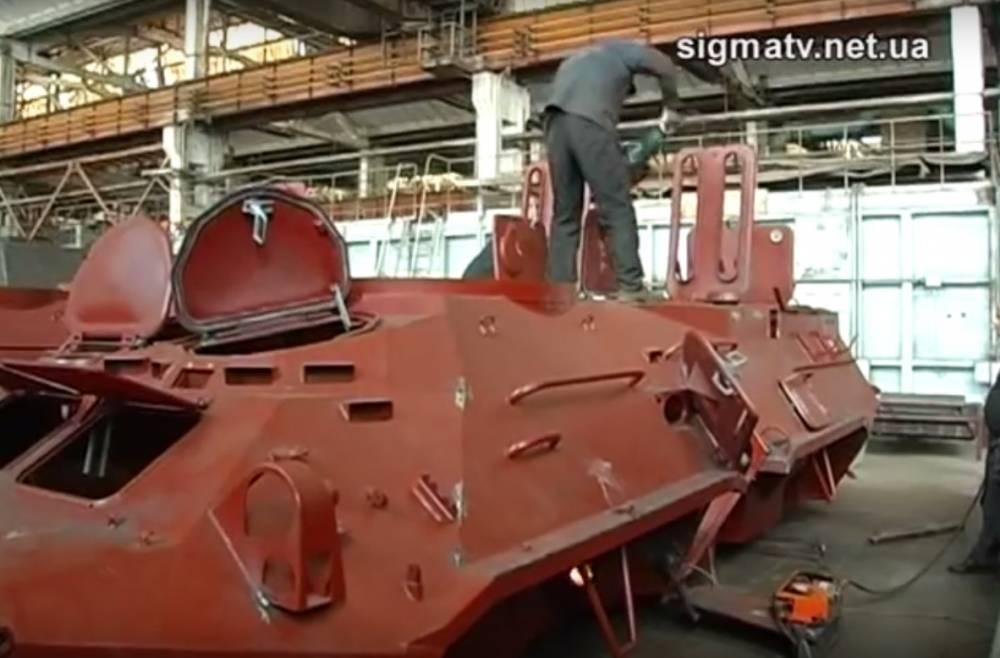 Военные приняли бракованные корпуса для БТР из стали завода Ахметова