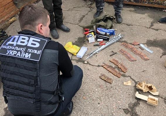 В Прилуках бывший гаишник незаконно хранил оружие и боеприпасы