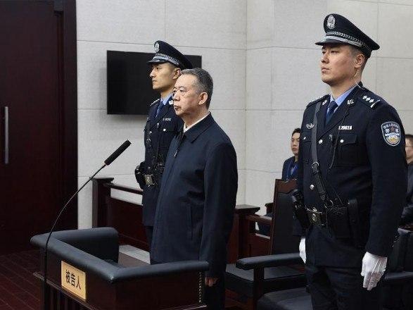 В Китае суд приговорил бывшего главу Интерпола к 13,5 годам тюрьмы за взятку