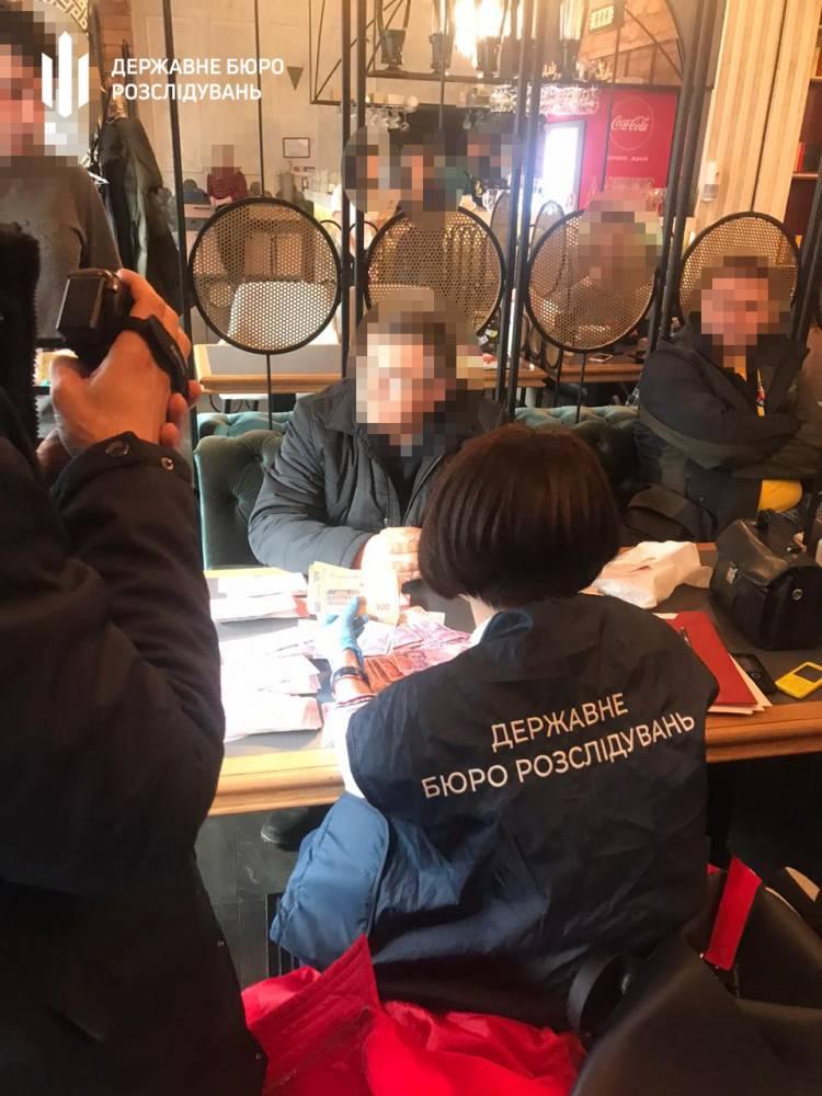 Киевский активист выманил 20 тыс. долларов под видом взятки для налоговой