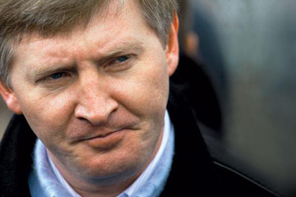 Ахметов выплатил Фирташу более 700 млн долларов за «Укртелеком»
