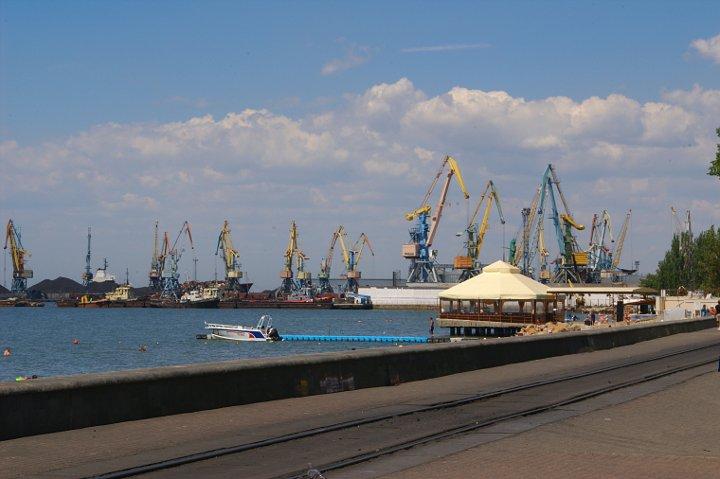Конфликт на востоке и неэффективные решения уничтожают Бердянский порт