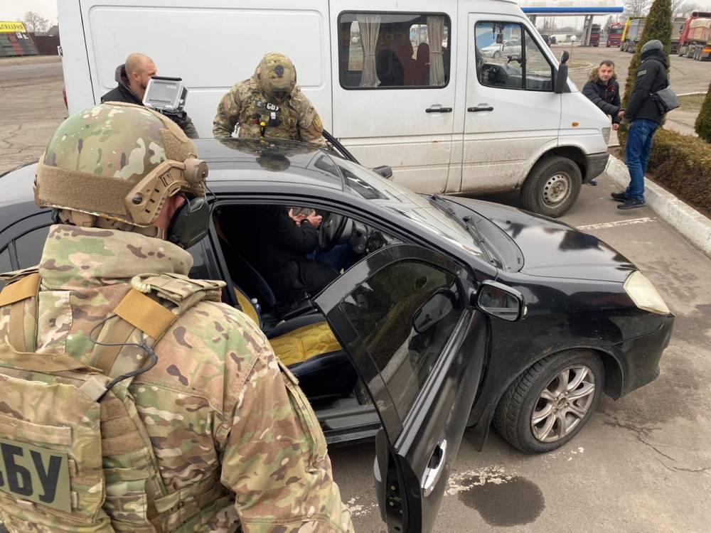 В Сарнах на взятке поймали следователя полиции