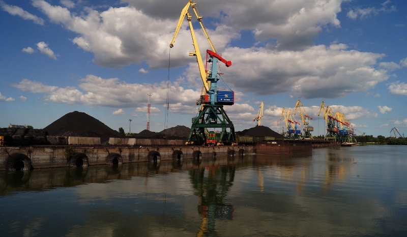В Измаильскому порту хотят провести сомнительный тендер на 36 млн гривен для ремонта кранов