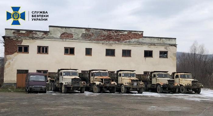 В Берегово частник незаконно продал технику и оборудование государственного карьера