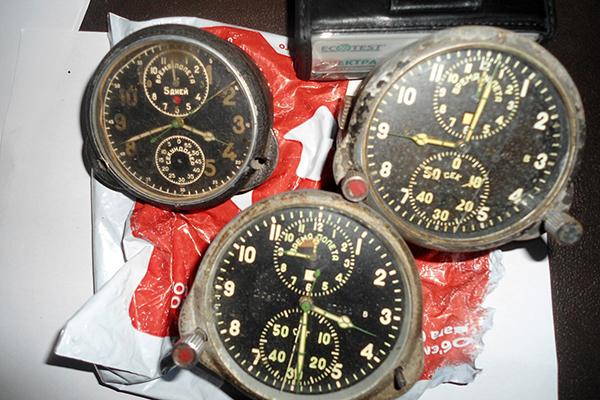 Украинец пытался вывезти в Венгрию радиоактивные часы