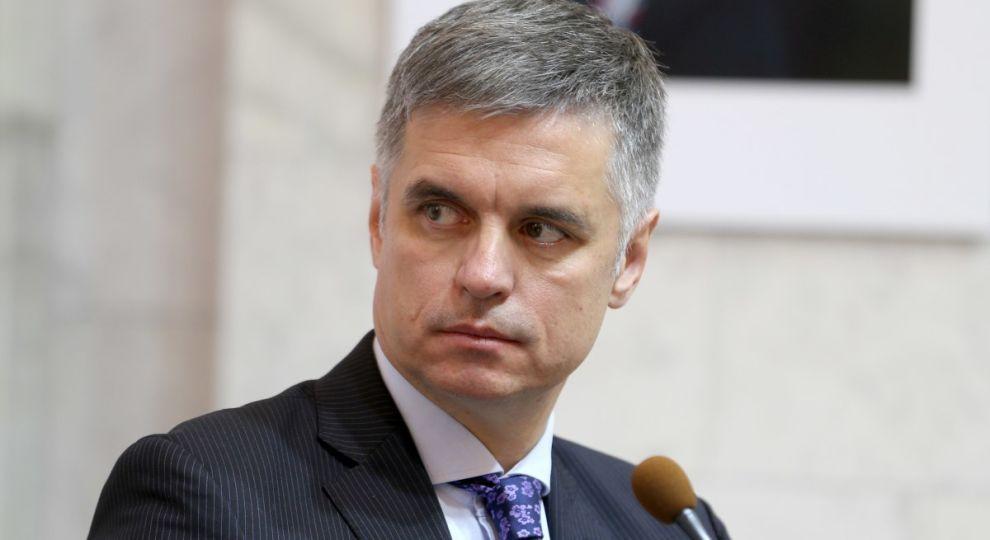Министр иностранных дел Пристайко испытывает финансовые трудности
