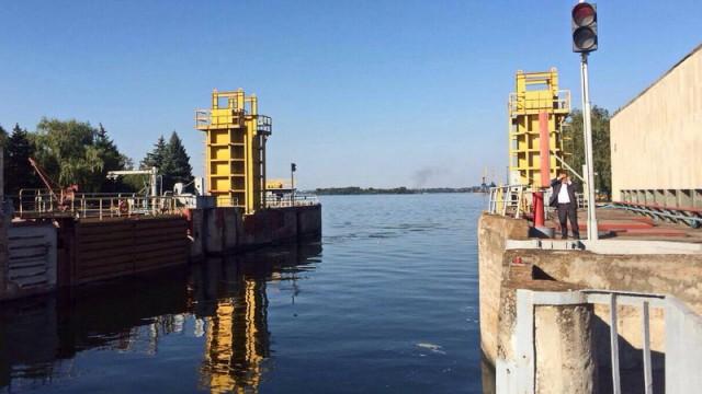 Мининфраструктуры предлагает удвоить плату за прохождение шлюзов Днепровского каскада