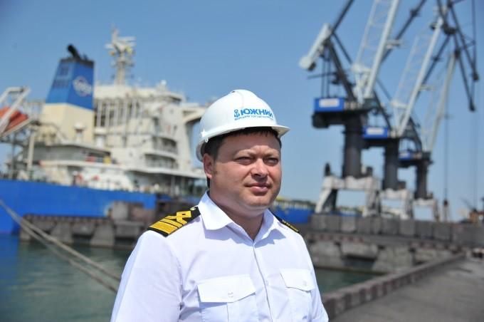 Советник директора порта Южный занимался покупкой списанных тепловозов из Армении по завышенной цене