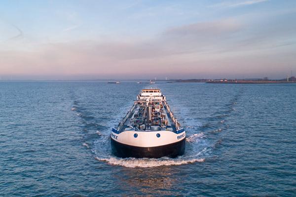 Угрозы экологии и преимущества для иностранцев: транспортники недовольны законопроектом о внутреннем водном транспорте