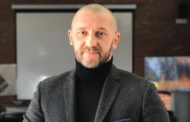 Депутата Ужгородского горсовета объявили в розыск за вооруженное хулиганство