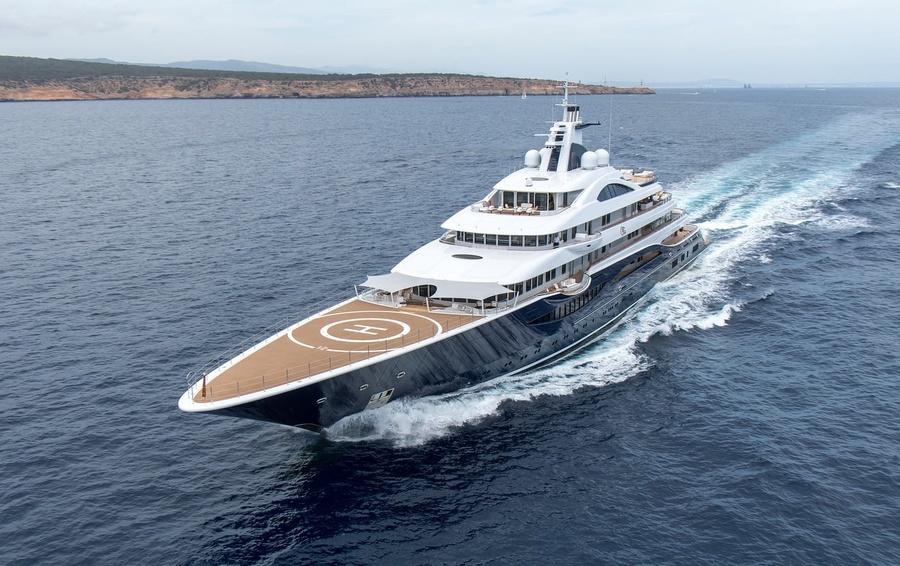 Русский олигарх, разыскиваемый НАБУ, продает яхту за 300 млн долларов