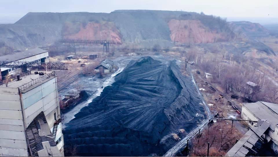 В Торецке на государственной шахте скопилось 32 тысячи тонн угля: его некому продать