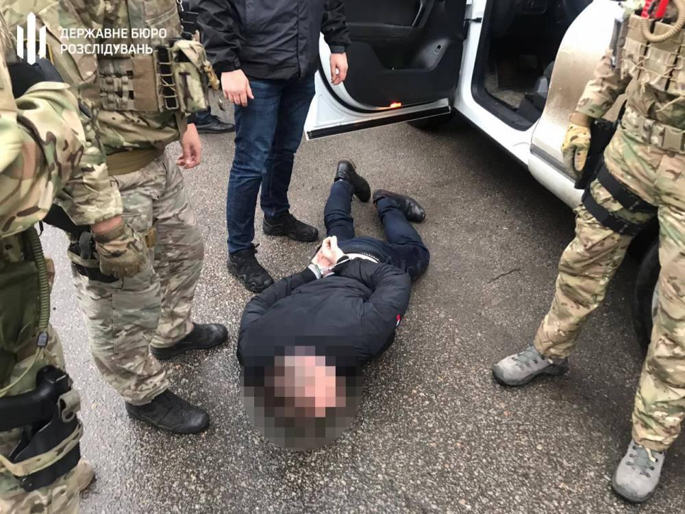 Советник начальника полиции Днепропетровской области шантажировал мошенника