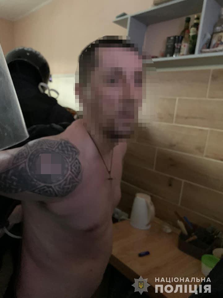 «Смотрящий» за СИЗО в Ровенской области организовал группу по вымогательству денег у арестантов
