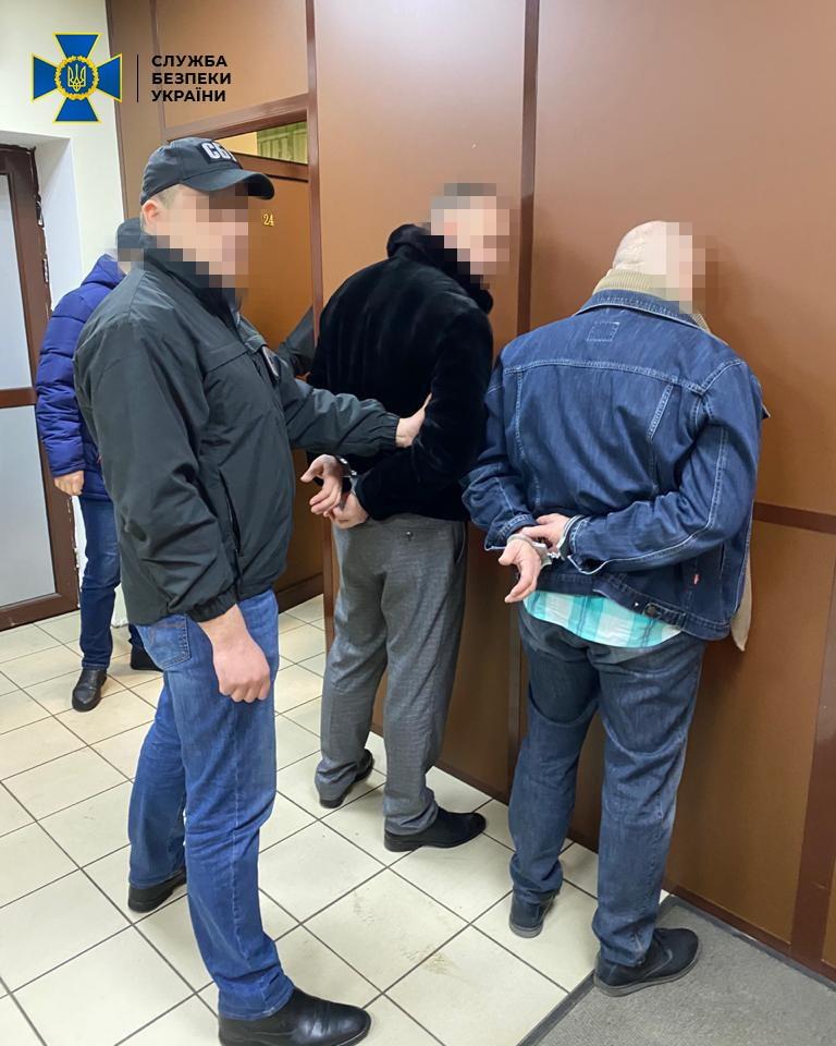 В Киеве мошенники требовали 3 млн долларов за пост губернатора Николаевской области