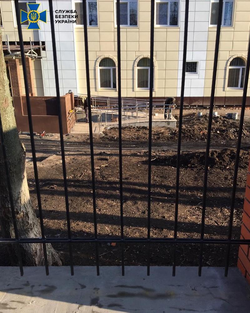 В Днепре чиновников подозревают в хищении средств при ремонте учебного заведения