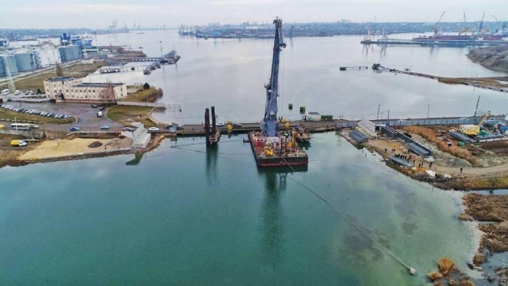 Афера с мостом-долгостроем в Черноморске: проблемный объект планируют отдать «Укравтодору»