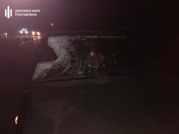 В Харькове сбитый сотрудником ГСЧС пешеход попал под колеса грузовика