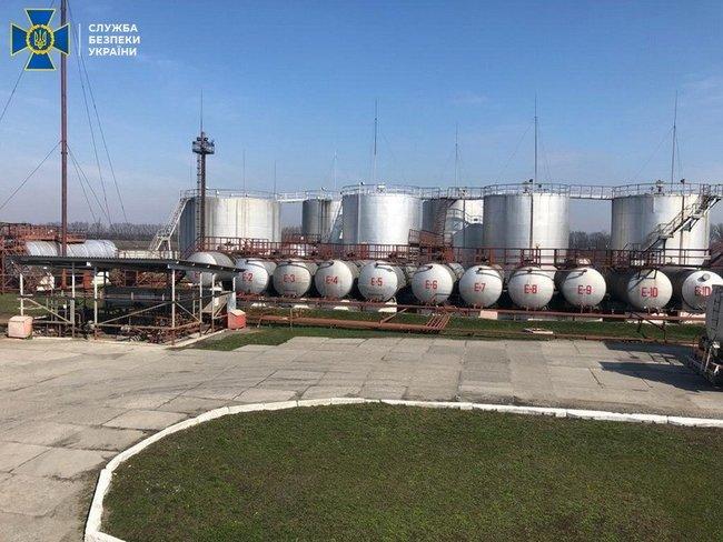 В Полтавской области блокировали два нелегальных НПЗ