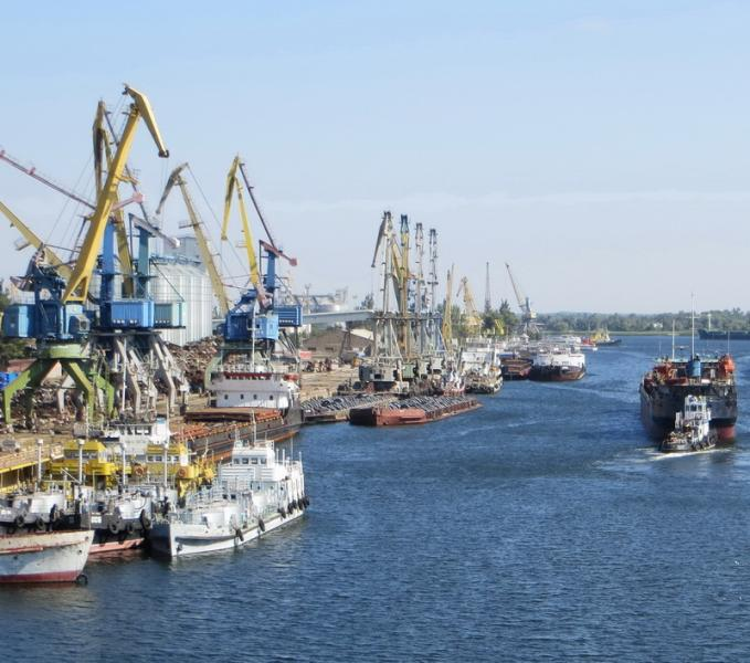 Фирмы из орбиты Григоришина проверяют на причастность к контрабанде нефтепродуктов в Херсоне