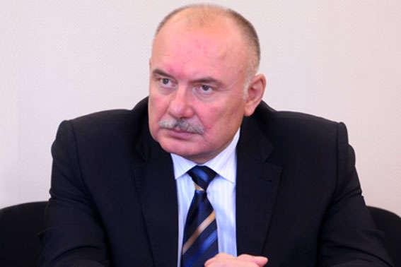 Начальник Западного межрегионального управления Минюста требовал деньги у подчиненного