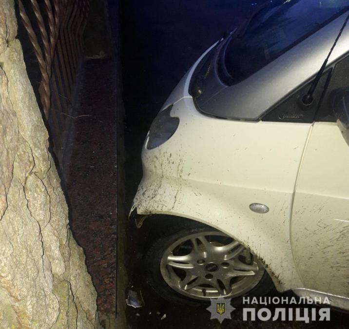В Хусте пьяный водитель пытался напасть на врача