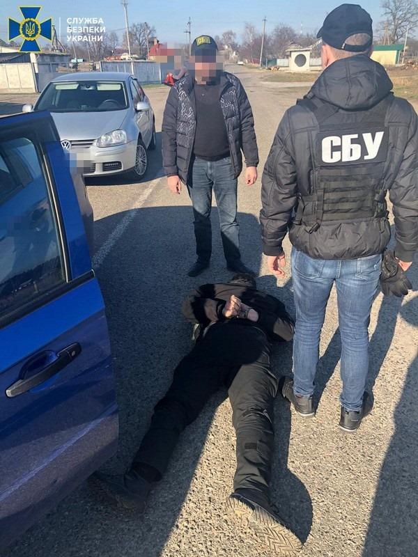 В Барышевке офицер полиции собирал взятки у предпринимателей