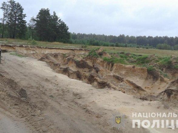В Коростышеве вручили подозрение организатору хищения песка на 52 млн гривен