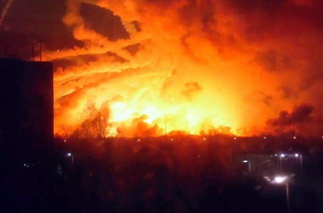 К взрывам на арсенале в Калиновке причастна фирма экс-нардепа Микитася