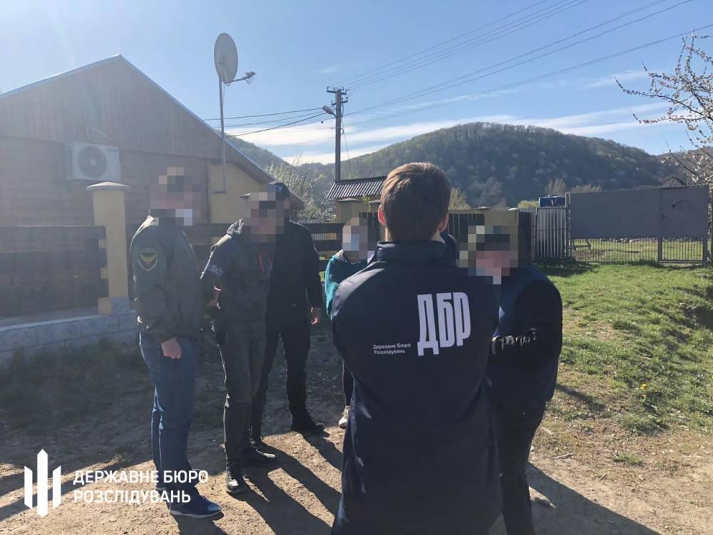 В Ужгороде пограничник согласился помочь контрабандисту медицинских масок