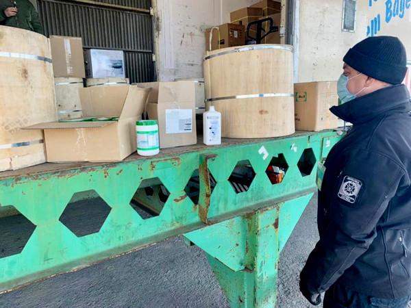 Через Черноморский порт в Азербайджан пытались нелегально вывезти партию антисептиков