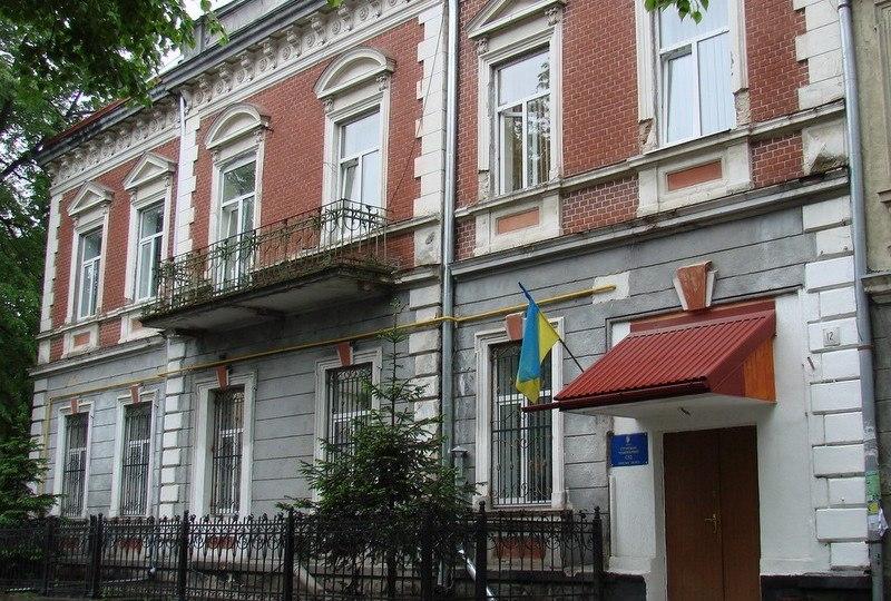 Стрыйский судья заявил об угрозах неизвестного ворваться к нему в дом