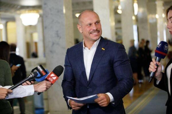 Нардеп Кива задекларировал 1,2 млн гривен за аренду жомовой ямы