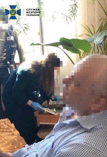 В Черкассах на взятке попался работник исполнительной службы