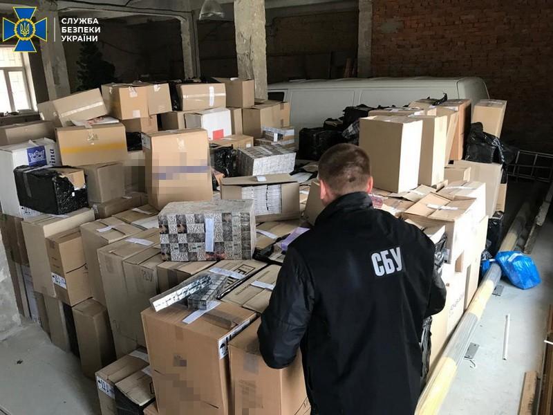 В Полтаве нашли склад контрафактных сигарет