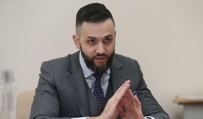 Нефедов обжаловал в суде свое увольнение с таможни