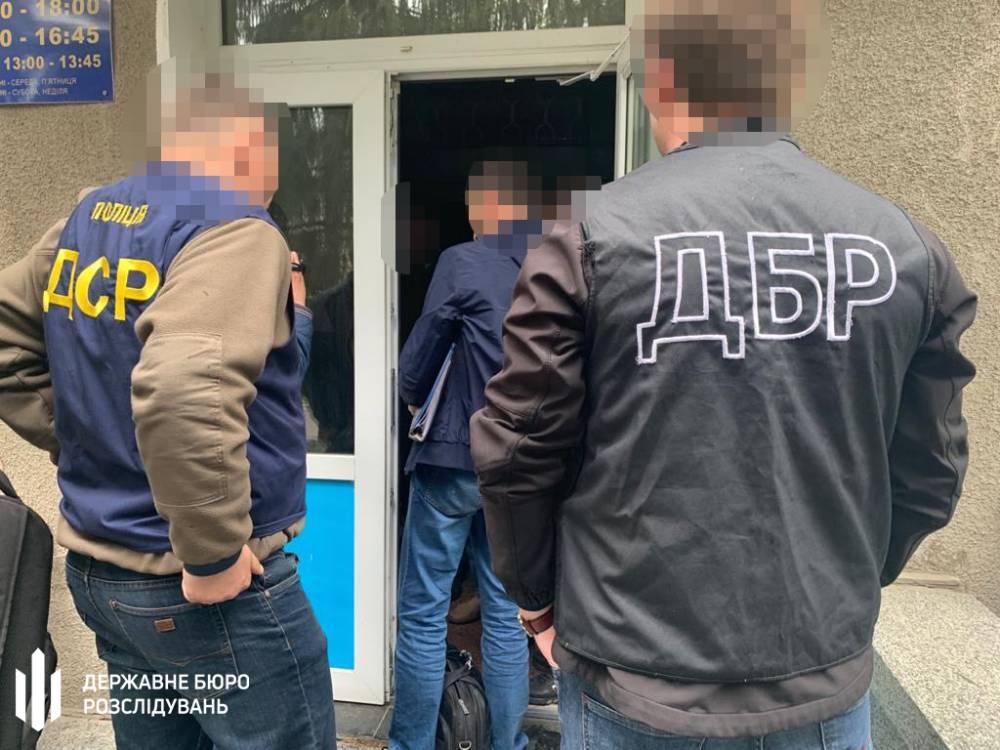 Налоговик из Житомирской области просил 12 тысяч долларов за закрытие дела