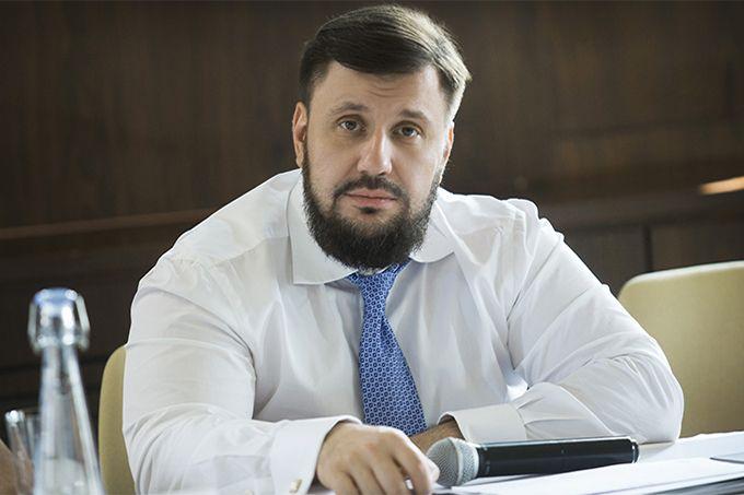 Суд отменил заочный арест экс-министра доходов Клименко