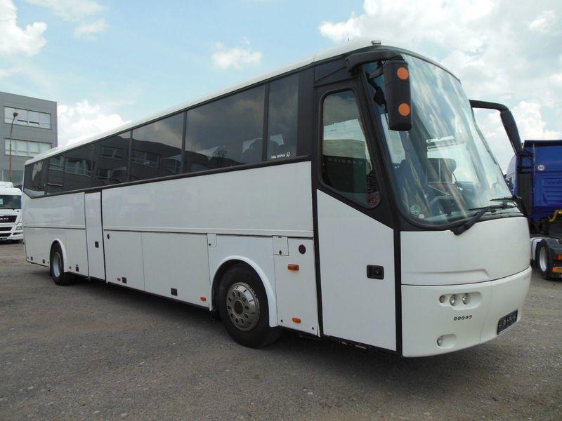 Чиновники Житомирской ОГА купили старый туристический автобус в 2,5 раза дороже реальной цены