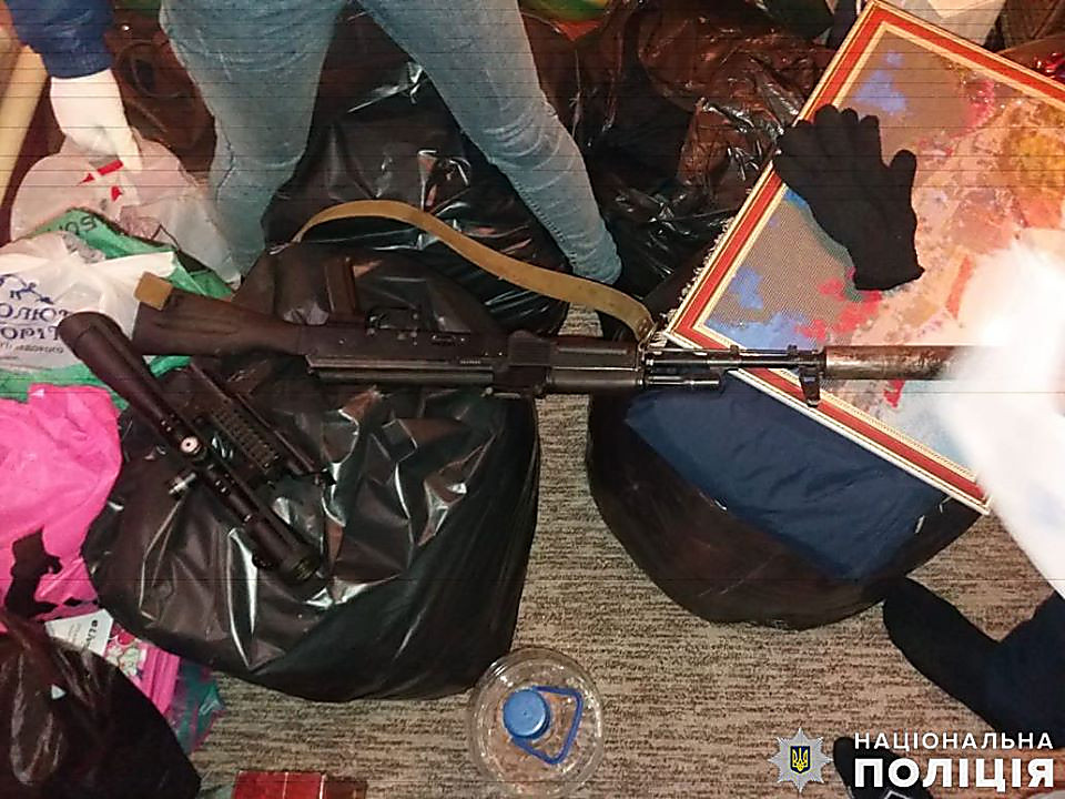 В Баштанском районе бывший боец 28й мехбригады прятал автомат с глушителем