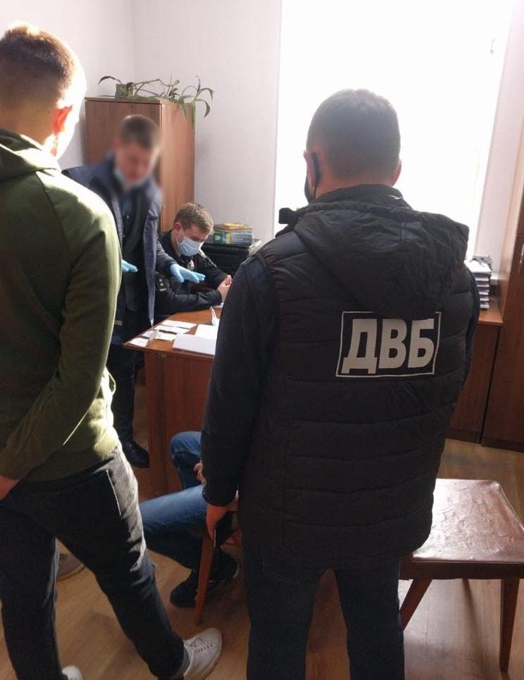 В Каменце-Подольском вор пытался подкупить следователя полиции за закрытие дела